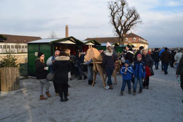 Vianočné Trhy Shlosshof, Rakúsko