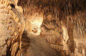 Jaskyne a kvaple
