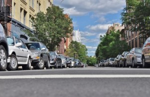 Parkovanie auta a odstránenie živice