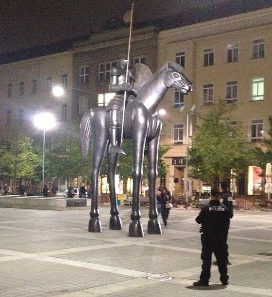 Jošt a socha na Moravskom náměstí