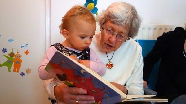 Dôchodcovia starí