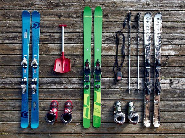 Lyže a sada na lyžovanie