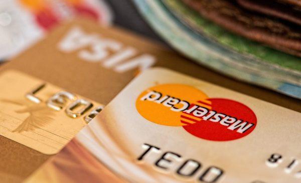 Platobné karty a online nákup