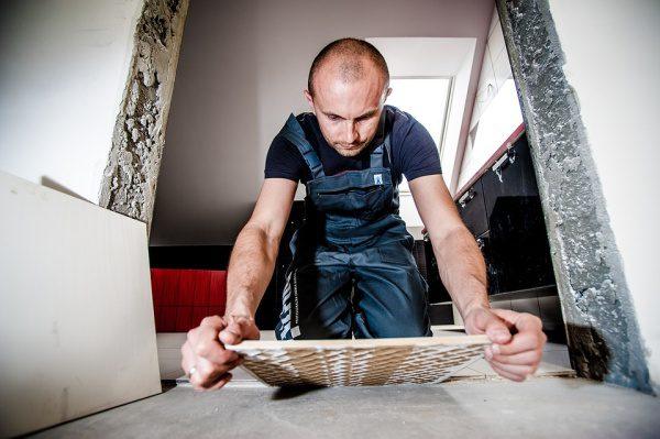 Zamestnanie a obmedzenia, manuálna práca obklad