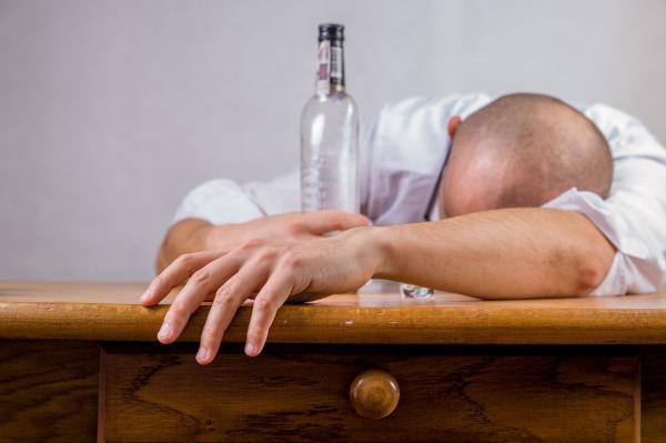 Alkoholik a chľast