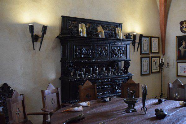 Stredoveké stolovanie