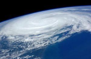 Hurikán a atmosféra