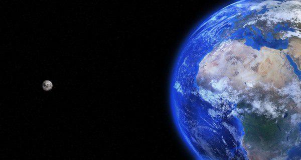 Zem a Mesiac