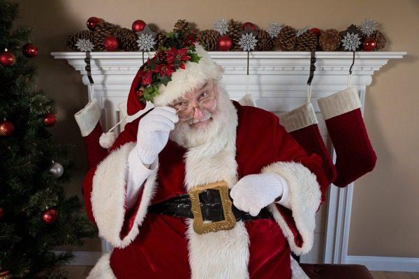 Kdo nosí dárky na Vánoce ve světě? Seznam Ježíšků ve světě