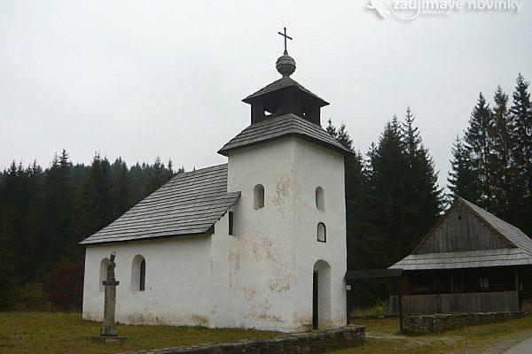 Vychylovka kostolík