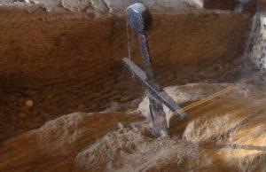 Meč v skale Galganos