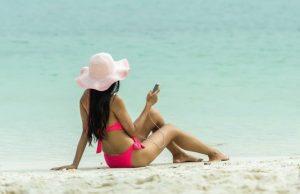 Telefón na pláži a zrušený roaming