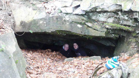 Malá skalná diera Klubina