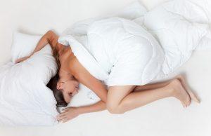 Spánok v posteli