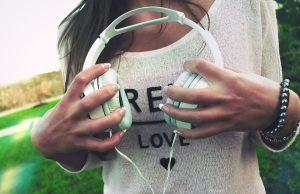 slúchadlá a počúvanie