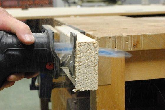 chvostová píla, rezanie dreva