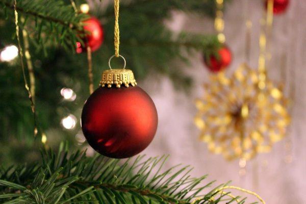 Vianočné ozdoby a vianočný stromček