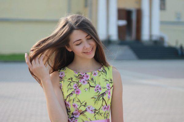 Vlasy a dievča
