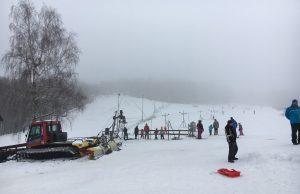 Zochova chata, Piesok lyžiarsky svah a lyžovačka