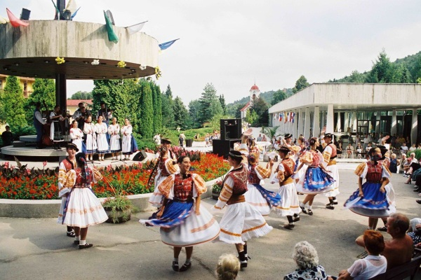 Kolonáda a kultúrne vystupenie Bardejovské kúpele