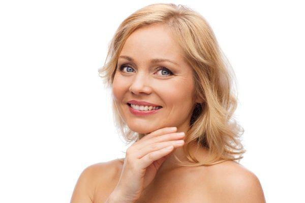 plastická chirurgia, žena a krása