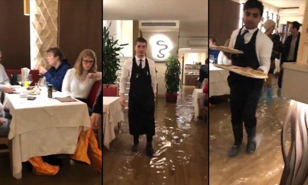benátky a zaplavená reštaurácia