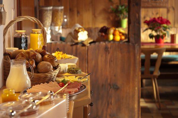 Ponuka jedál raňajky, článok bufetové stoly