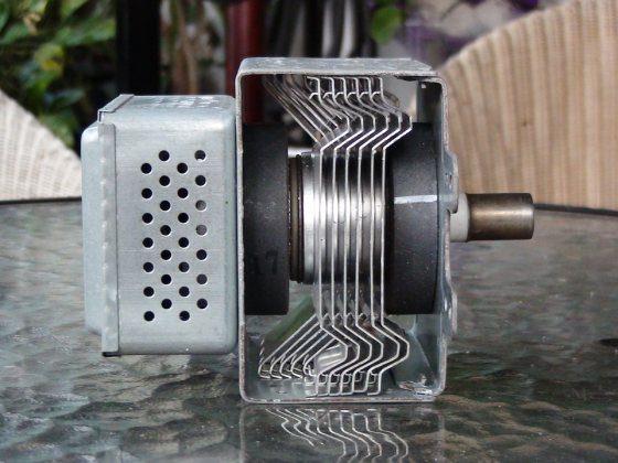 Magnetron a mikrovlnka mikrovlnná rúra