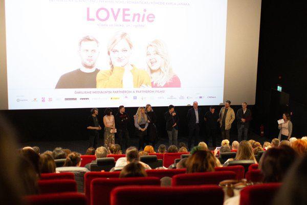 LOVEnie film česká komédia