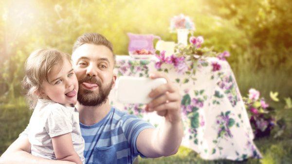 Otec a dcéra na oslave
