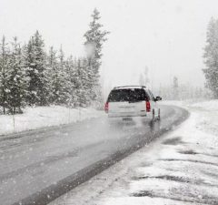 Auto v zime