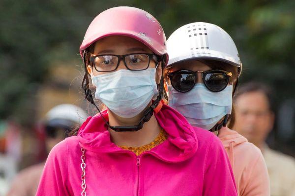 Rúška na tvári a dýchanie, kvlli smogu alebo kvoli vírusom a koronavírus