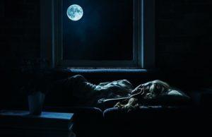 Spánok počas noci