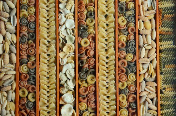 Cestoviny fusili vrtule mušličky špagety