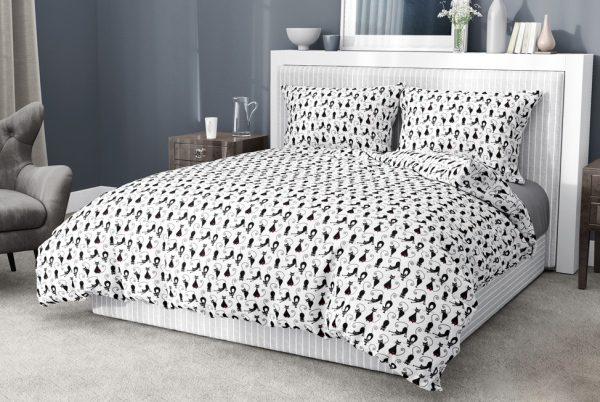 postel obliečka mačky