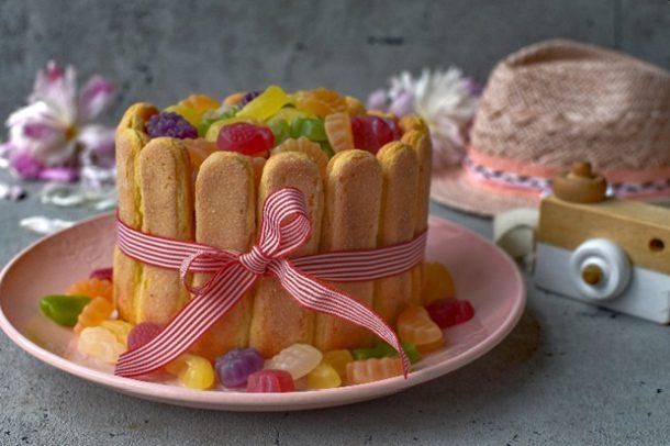 Nepečená torta s cukríkmi