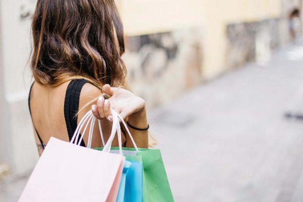 Nakupovanie a Čierny piatok Black Friday