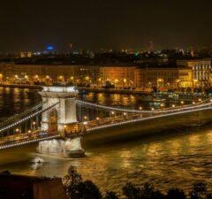 BUdapešť most cez Dunaj