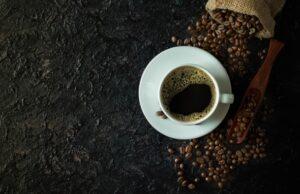 Káva a šálka