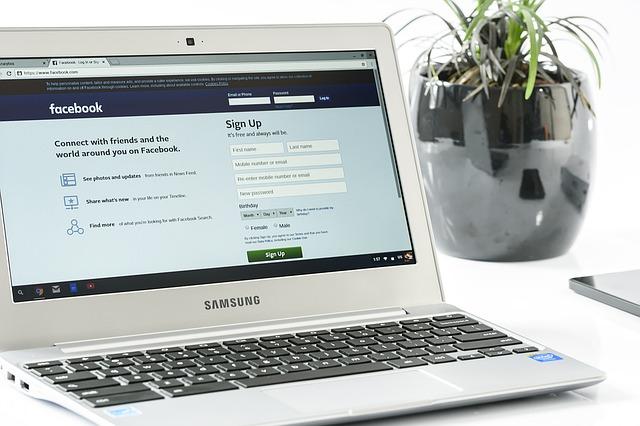 Facebook login na notebooku