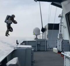 Gravity Indastries jetpack Bitské námorníctvo