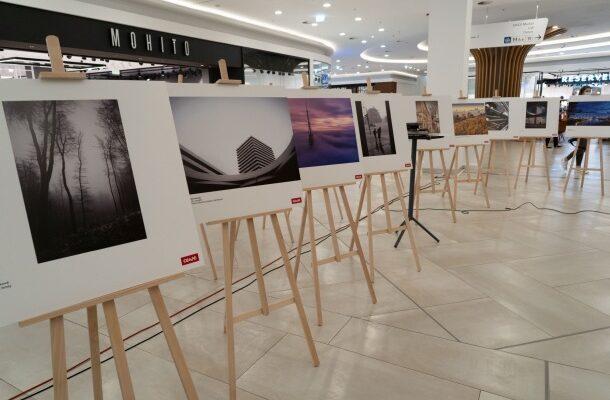 vystavené fotografie fotosúťaže Nové mesto 2021 v nákupnom centre VIVO Bratislava