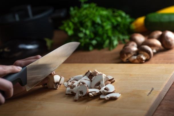 krájanie a nože sekanie